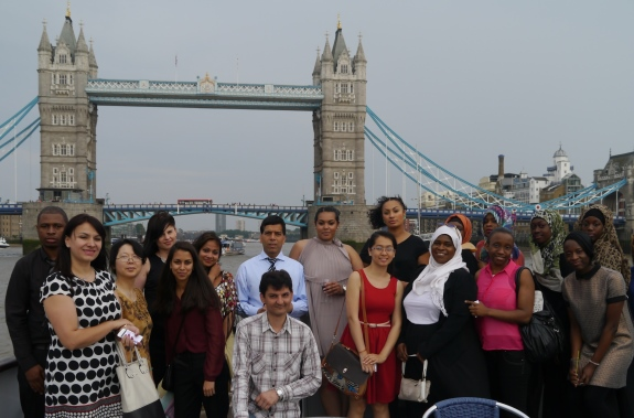 group photo tower bridge 5
